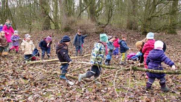 Wir Bauen Ein Waldsofa Lebenshilfe